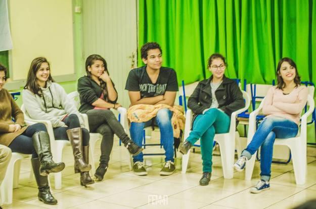 As aulas de português e de matemática foram suspensas temporariamente para dar espaço à discussão da educação precária mantida pelo governo do estado. (Foto: Fernanda Cacenote)